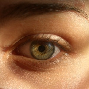 6 Simple and Easy Tips to Get Rid Of Dark Circles